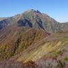 紅葉シーズンの谷川岳
