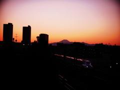 富士山と 新幹線N700系