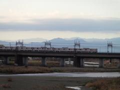 透明の山と東武50050系