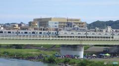 川崎市立多摩病院バックに小田急線風景