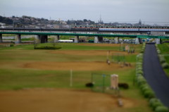 多摩川を渡る 東急5000系 ミニチュア風