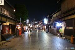 熱帯夜の祇園