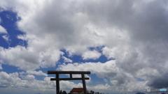 山頂の鳥居