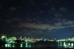 広がる工場夜景