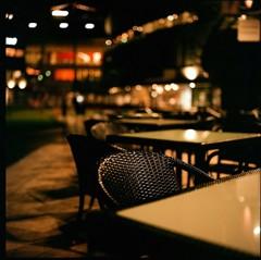 静寂のカフェ