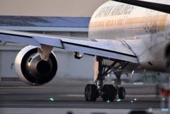 薄暮の空港----②