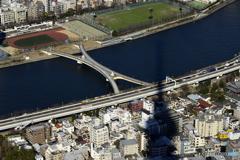 隅田川と桜橋と影と・・・