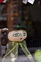 つぶらな瞳の魔女さん