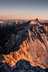 初冠雪の北穂高岳