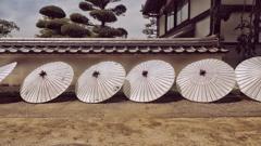 paper-umbrellas