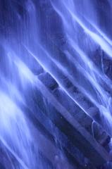 神宿る滝1