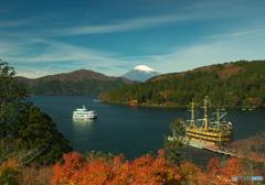 秋色芦ノ湖