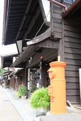 奈良井宿にはこのポストが似合う