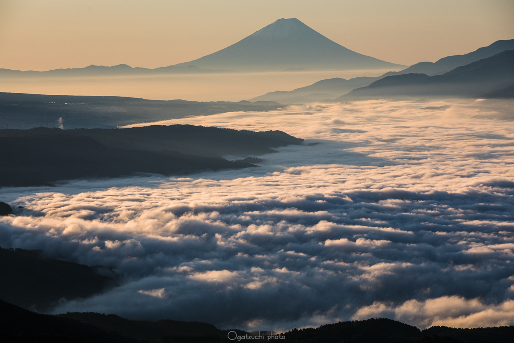 Great Sea of Clouds from the Distance