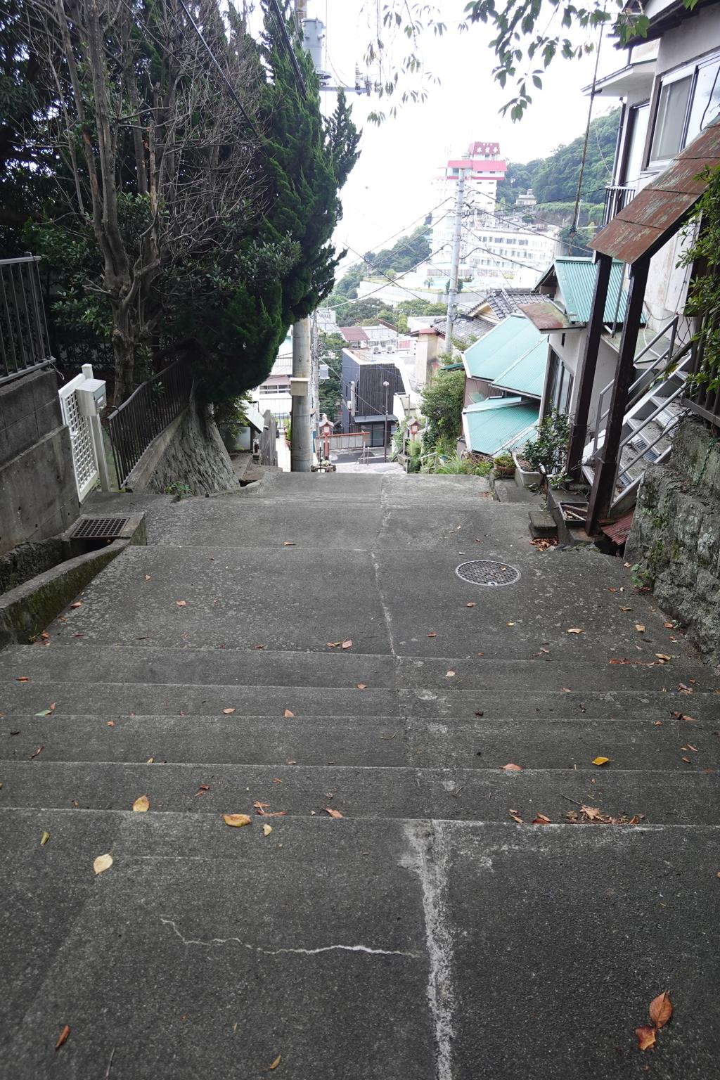 参考:伊豆山神社からの下り階段