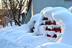 ふらり散歩 雪庇に包まれて