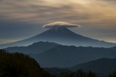 月光下の笠雲