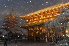 浅草寺 雪景色2