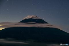 雲を纏いし山頂