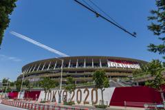 ブルー飛ぶ新国立競技場