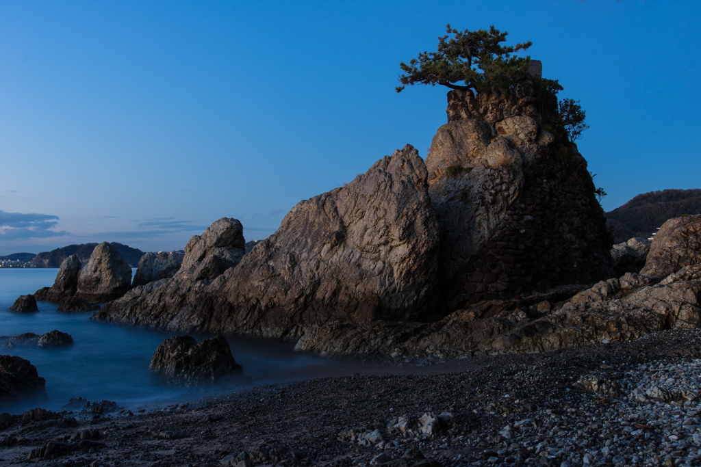 森戸千貫岩