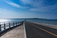 伊良部大橋 宮古島側から伊良部島を望む