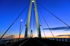 橋を渡って家に帰ろう
