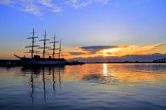 海王丸パーク 朝の光芒