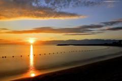 富山湾の朝 光の道