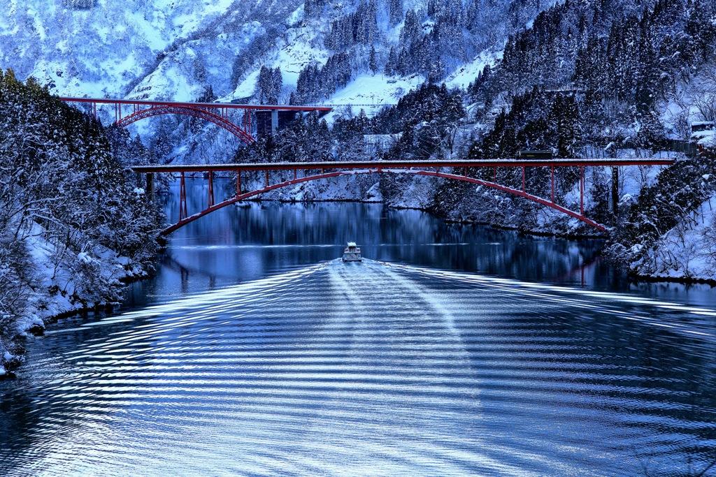 冬の庄川峡