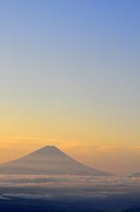 朝靄と富士