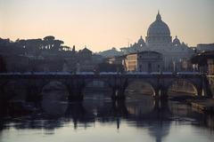 サンピエトロ寺院とサンタンジェロ橋