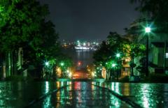 八幡坂・雨