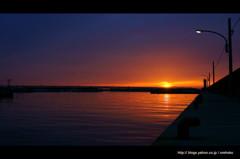 港な夕景。