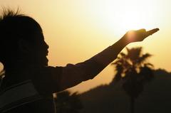 手ぇのひらにぃ太陽を~♪