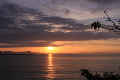 瀬戸内海に日が暮れる