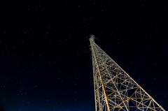 銀河鉄塔の夜