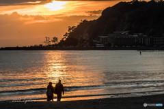 夕時の浜辺