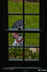 ガラス窓の向こう側