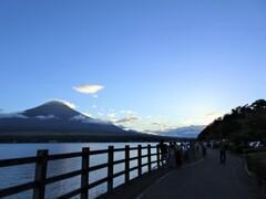 富士山麓さんぽ(山中湖からの富士山)