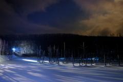 薄月と青い池ライトアップ③