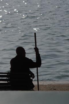 A man at lake  : 薄暮