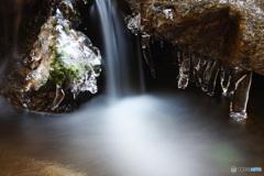 冬の渓谷2