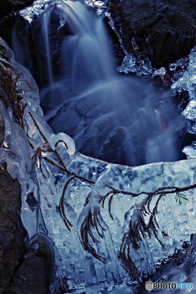 冬の渓流3