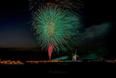 とある風車のある沼の花火大会