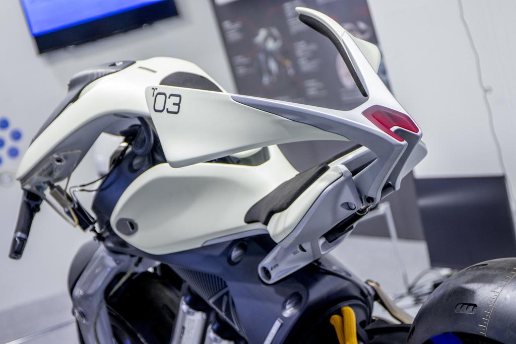 Yamaha MOTOROiD Concept   2