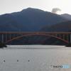 山と橋と湖