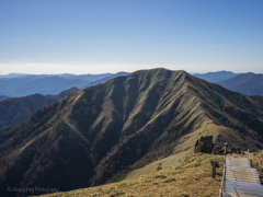 日本百名山-四国第二高峰:剣山頂上の美しい景色