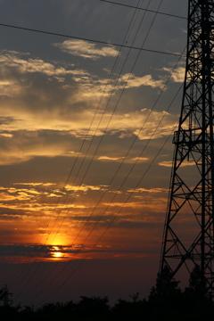 鉄塔と電線と