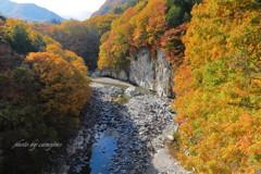 渓谷も秋色